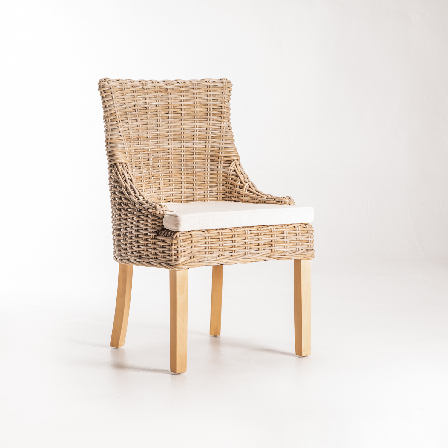 JAMBI KUBU DINING CHAIR