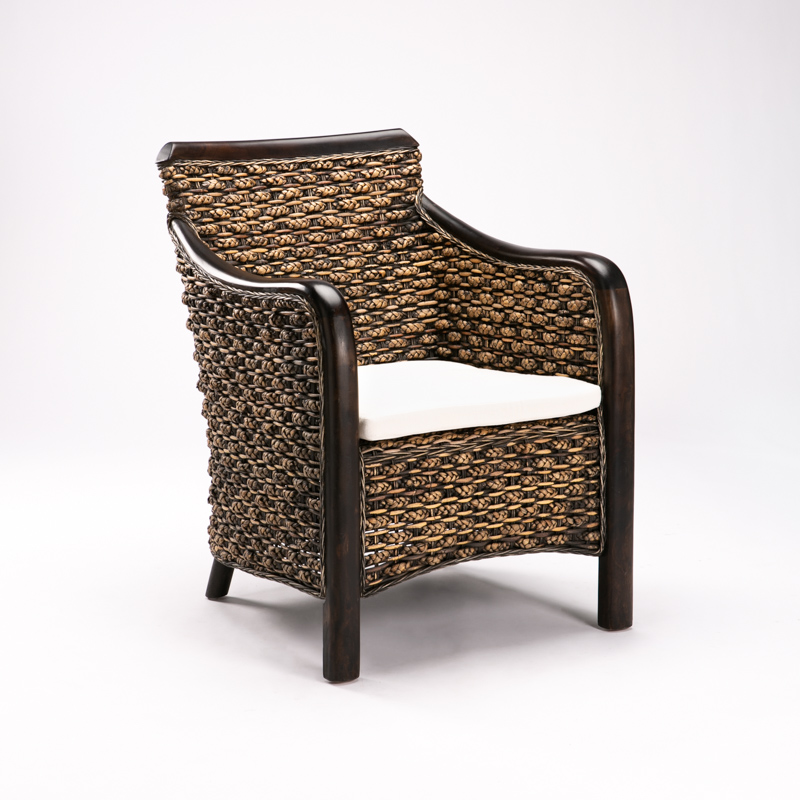 165 ARMCHAIR WITH CUSHION